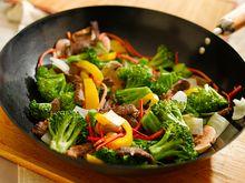 Gemüse Wok - Quelle: (c) Joshua Resnick/Fotolia.com